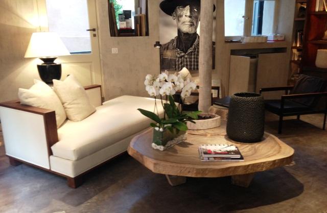 Table basse en acacia massif caradesign - Table basse design bois massif ...
