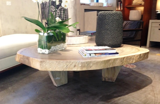 Table basse en acacia massif caradesign for Table salon bois massif