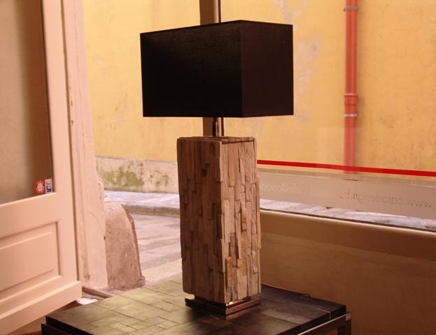 Lampe En Bois Fossilise Brut Caradesign